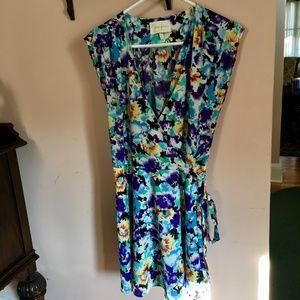 Womens Floral Sleeveless Wrap Dress